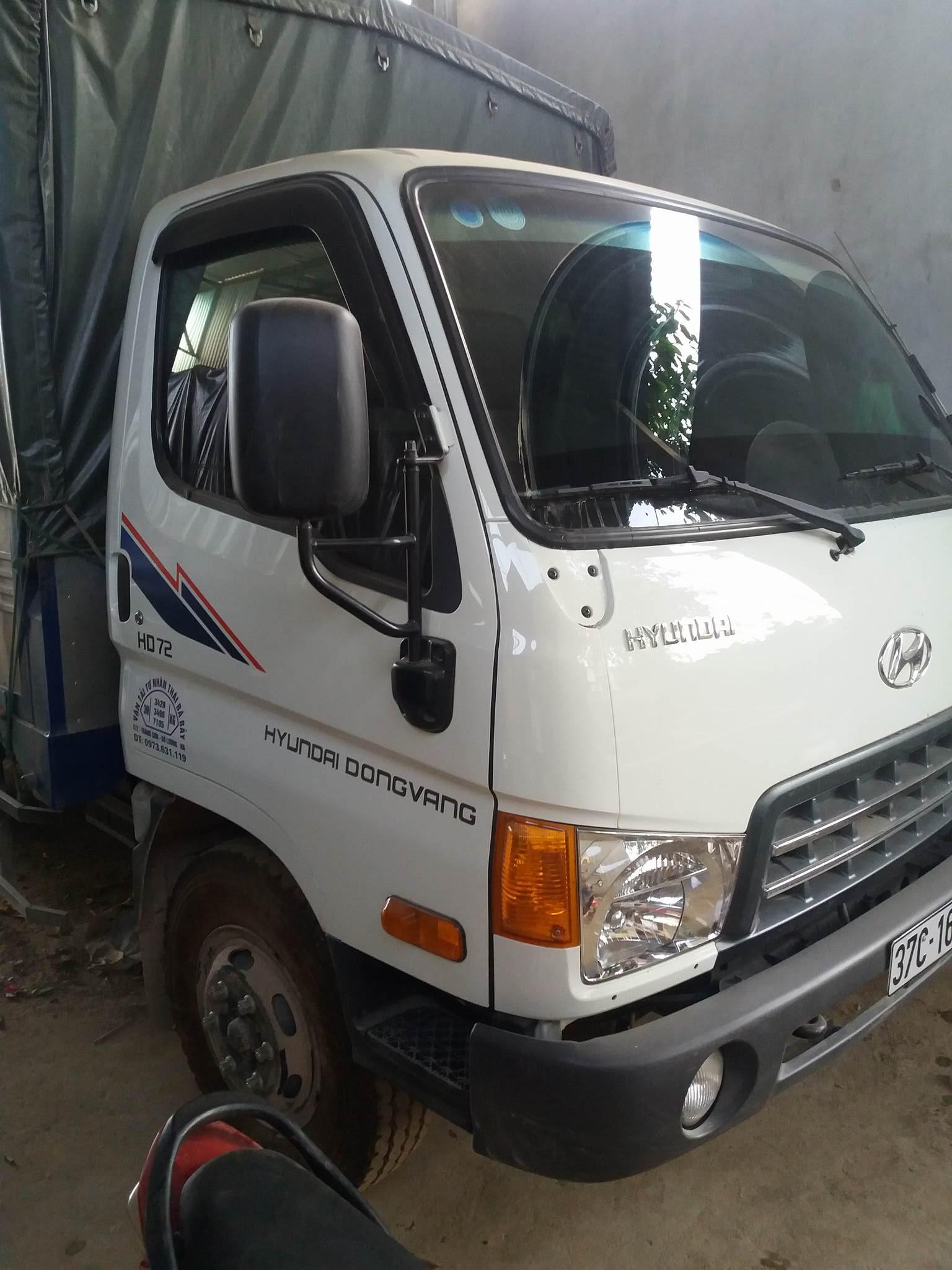 Xe tải Hyundai HD72  thùng mui bạt đời 2015