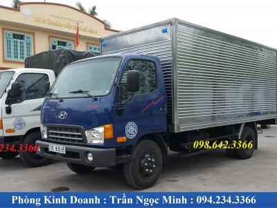Xe tải 7 tấn Hyundai HD700 Đồng Vàng thùng kín